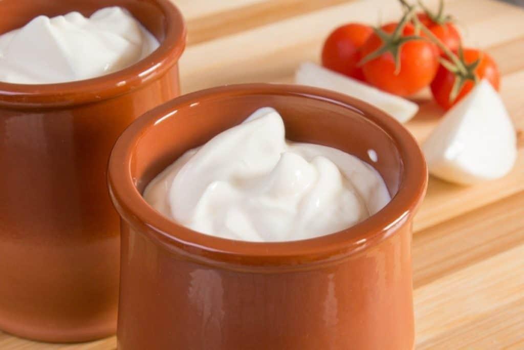are sour cream  crème fraîche safe to eat when pregnant